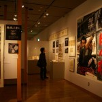 ポスターなどは大小を使い分けて展示。当時の迫力や勢いが伝わってくる