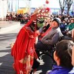 中国雑技芸術団による京劇のパフォーマンス