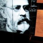ノーベルが遺した手紙の数々を、イメージ映像とともに展示