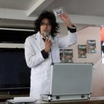 ナゾラボ研究所所長がプログラムの進め方などを説明