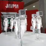 特別展示「VMD×未来店舗」に登場したQRコード付きのマネキンはショッピングの楽しさを表現