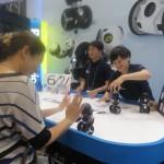 二輪で自立する手で操作する新感覚ロボット「Hello!MiP」