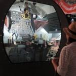 1969年、人類初の宇宙歩行を実現させた「アポロ月着陸船」の乗員室(レプリカ)