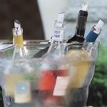 Vino Hayashi(ヴィーノ ハヤシ)のブースで美味しそうに冷やされたイタリアンワインたち。全て実際にイタリアで吟味して選りすぐったうえで直輸入している