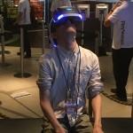 VRはヘッドセットを用いて体験できる
