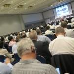 コンファレンスは横浜アリーナ2階施設のセンテニアルホールで開催