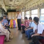 「銚電倶楽部」会員限定の竹本社長との懇談会。年末に超レトロ電車に改造予定の2001形車両内で実施